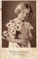 Herzlichen Glückwunsch Zum Namenstag - Mädchen Mit Blumenstrauss 1940 ? - Holidays & Celebrations