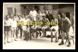 GUERRE 39/45 - LE STALAG II C - PARIS MUTUEL - LE CONTROLE D'ARRIVEE - CARTE PHOTO ORIGINALE - Weltkrieg 1939-45