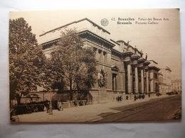 Carte Postale Belgique - Bruxelles - Palais Des Beaux Arts  ( Petit Format Noir Et Blanc Non Circulée ) - Bauwerke, Gebäude