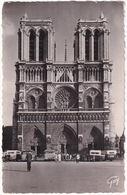 Paris: 5x OLDTIMER AUTOBUS AUTOCAR - Notre-Dame - (1952) - Toerisme
