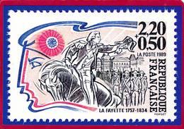 CPM  Carte Représentant Timbre 2,20F + 0,50F  République Française LA FAYETTE Dessinateur FORGET   ( F1 - Stamps (pictures)