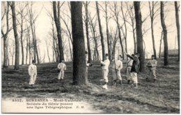 92 SURESNES - Mont-Valérien - Soldats Du Génie Posant Une Ligne Télégraphique - Suresnes