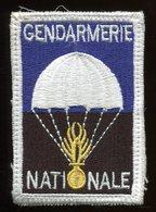 Gendarmerie - Escadron De Gendarmes Mobiles Parachutistes - Police & Gendarmerie