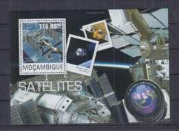 L914. Mozambique - MNH - 2014 - Space - Satellites - Bl - Space