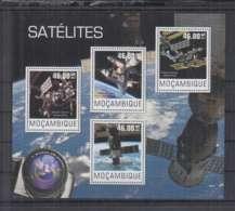 L914. Mozambique - MNH - 2014 - Space - Satellites - Space