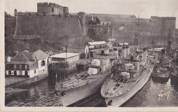 BREST  Le Vieux Château Et L'avant Port - Brest