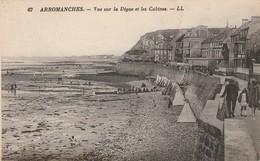 Calvados : ARROMANCHES : Vue Sur La Digue Et Les Cabines - Arromanches