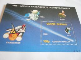 Miniature Sheet Perf Halleys Comet 86 - Guinea-Bissau