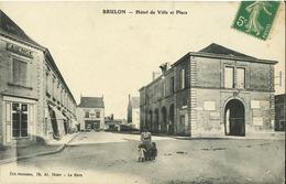 72 - Brulon - Hôtel De Ville Et Place (animée) - Brulon