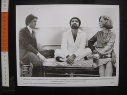 Photo Argentique CINEMA 1978 Steinberg Woodward Reynolds THE END Movie SUICIDEZ MOI DOCTEUR - Photos