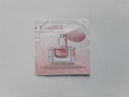 "YVES  ROCHER   "" Evidence   Extrait De Parfum ""   Pochette Parfumée ! - Perfume Cards"