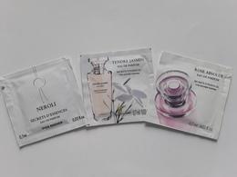 """YVES  ROCHER   """"  Secrets  D'essences """"   3 Pochettes  Parfumées Différentes  """" - Perfume Cards"""