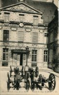 CPA - VERDUN - COUR DE LA MAIRIE - CANONS DE SIEGE 1870 (IMPECCABLE) - Verdun