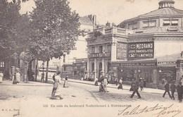 Paris - Un Coin Du Boulevard Rochechouart à Montmartre - France