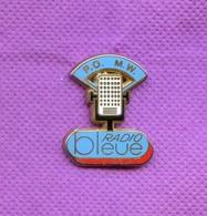 PINS   RADIO BLEUE  ZA132 - Medien