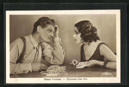 AK Die Schauspieler Ralph Forbes Und Dolores Del Rion Als Wahrsagerin Beim Kartenlegen - Attori