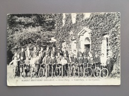 CANTERBURY - Marist Brothers College - Cyclistes - Vélo - Fiets - Fahrrad - Canterbury