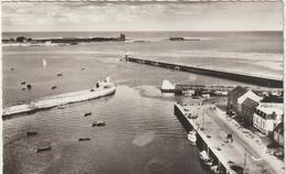R :  Manche : Saint  Vaast  La  Hougue : Le  Port  , Phare - Saint Vaast La Hougue