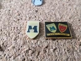 2 Pins FOOTBALL  CLUB DE MONTPELLIER ET NIMES - Calcio