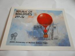 Miniature Sheet Perf 200th Anniversary Balloon Flight 1983 - Maldives (1965-...)