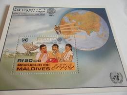 Miniature Sheet Perf World Communications Year 1983 - Maldives (1965-...)