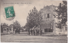 Bt - Cpa JUAN Les PINS - Place De La Gare - Antibes