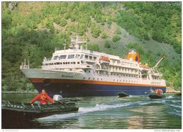 Hafen / Harbour / Port / Schiffe / Ships / Bateaux: MS Bremen (D-A206) - Ohne Zuordnung