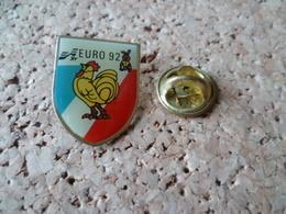 PIN'S    FOOTBALL  EURO 92 - Calcio