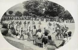Pays Div -ref T161- Carte Photo Non Située A Identifier - Photo Postcard Not Identify -ethnologie - Danses - - Cartes Postales