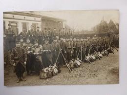 CPA, Marche D'Epreuve Un Jour De Pluie, 14ème Régiment D'infanterie De Toulouse 2ème Cie, écrite Et Postée En 1909 - Manovre
