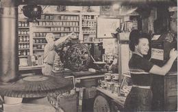 CPA Weston - Having Fun In The Famous Vermont Country Store (jolie Scène) - Etats-Unis