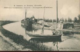 Brie  Et Sa Reconstruction Le Canal Dechargement De Materiaux - France