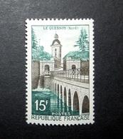 FRANCE 1957 N°1106 ** (SÉRIE TOURISTIQUE. LE QUESNOY, NORD. 15F SÉPIA ET VERT) - Nuovi