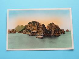 NORD VIETNAM - BAIE D'ALONG - Navire - Les Rochers ( Edit. P. C. - 22 ) Anno 195? ( Voir / Zie Photo ) ! - Viêt-Nam