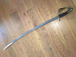 SABRE DE CAVALERIE LEGERE FRANÇAIS D'OFFICIER MODELE 1822 DE SOLINGEN EN BON ETAT GENERAL - Knives/Swords