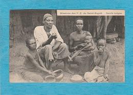 Mission Des P. P. Du Saint-Esprit. - Famille Indigène. - Cartes Postales