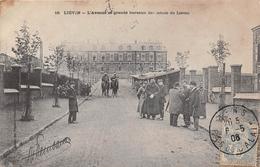 ¤¤   -  LIEVIN   -  L'Avenue Et Grands Bureaux Des Mines De Lièvin   -  Militaires   -  ¤¤ - Lievin