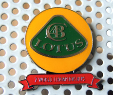 Pin's Championnat Sport Automobile LOTUS Remporte 7 Championnats Du Monde - Pin's