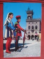 San Marino - Armbrustgarde Vor Dem Rathaus - San Marino