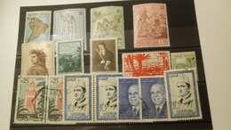 P102 LOT 68 PLAQUETTES TIMBRES MONDE NEUFS / OB  A TRIER COTE++ DÉPART 10€ - Stamps
