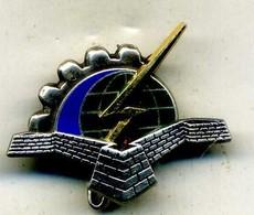 Insigne GERMAS (groupe D Entretien Et Réparation De Matériel Spécialisée 15-922,DOULLENS)___A.B - Armée De L'air