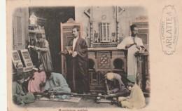 ***   MENUISIERS Arabes - Colorisé - Peu Courante En Colorisée - Précursqeur écrite - Artisanat