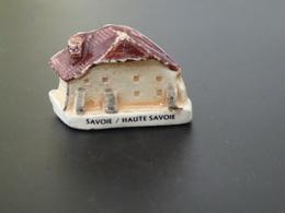 """FEVE  - FEVES -   """"MH MOULIN A L'HUILE - MAISONS CHALETS SAVOIE / HAIUTE SAVOIE""""  - MAISON  CHALET - Santons/Fèves"""