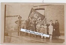 VILLERS-LE-TEMPLE-MINEURS-DRAPEAU-CARTE-PHOTO-FAMILLE FRAITURE-BOULANGER-VOYEZ LES 2 SCANS-PIECE UNIQUE! ! ! - Nandrin