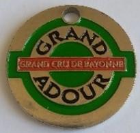 Jeton De Caddie - GRAND ADOUR - Grand Cru De BAYONNE - En  Métal - - Jetons De Caddies