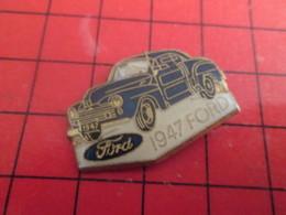 412a Pin's Pins / Beau Et Rare / THEME : AUTOMOBILE / FORD BLEUE DE 1947 - Ford