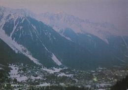 74 Chamonix Mont Blanc Crépuscule Sur La Ville (2 Scans) - Chamonix-Mont-Blanc