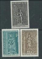 Khmère N° 332 / 334 XX  Fresques Du  Temple D'Angkor,  Les 3 Valeurs Sans Charnière, TB - Kampuchea
