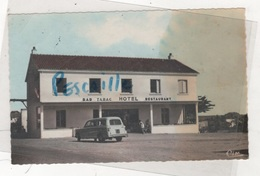 85 VENDEE - CP COLORISEE ILE DE NOIRMOUTIER - BARBATRE - HOTEL RESTAURANT DE LA FOSSE - AUTOMOBILE PEUGEOT 403 BREAK - Ile De Noirmoutier