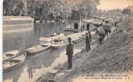 POISSY - Les Bateaux Lavoirs Sur Le Petit Bras De La Seine - Poissy